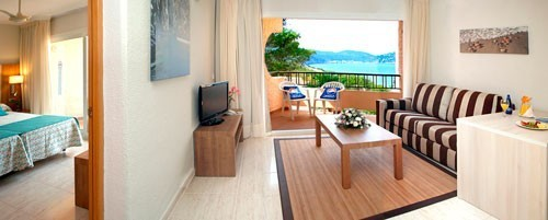 Esfigueral Junior-Suite-Cala-Blanca